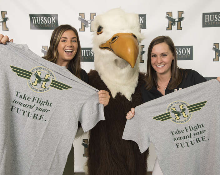 Students pose with Baldwyn at Discover Husson day
